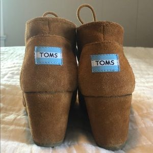 Toms Suede Wedge Booties